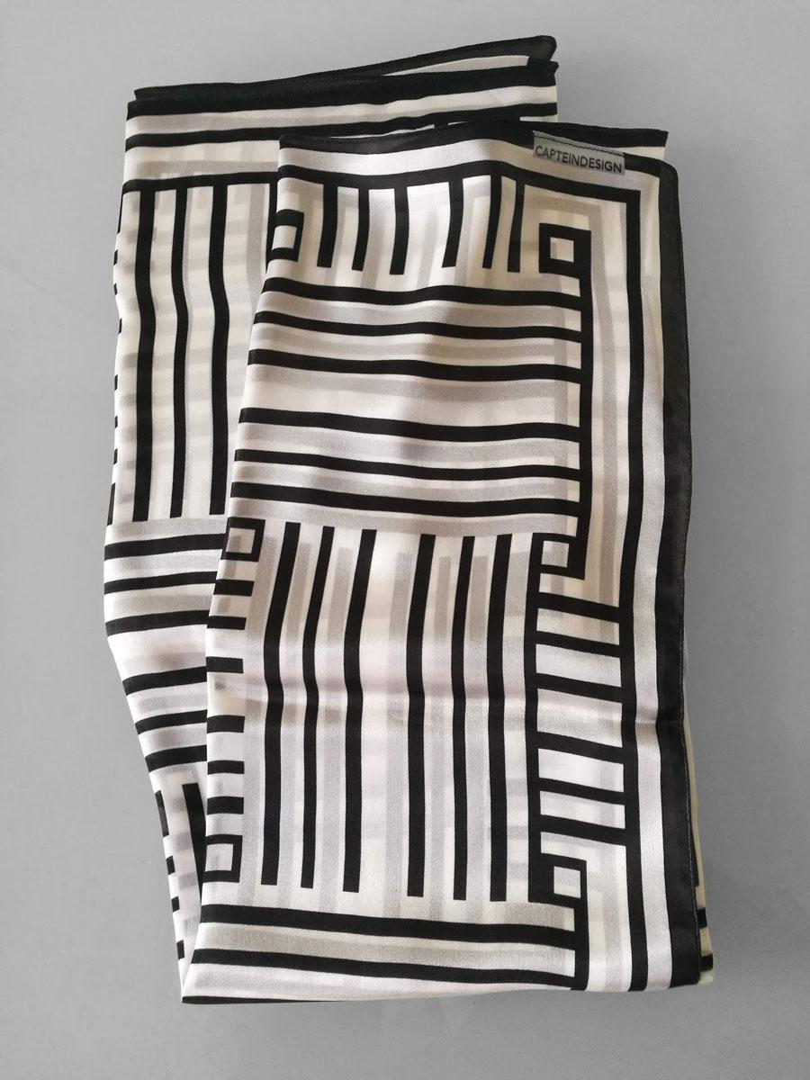 Shawl 'Framed Black & White'