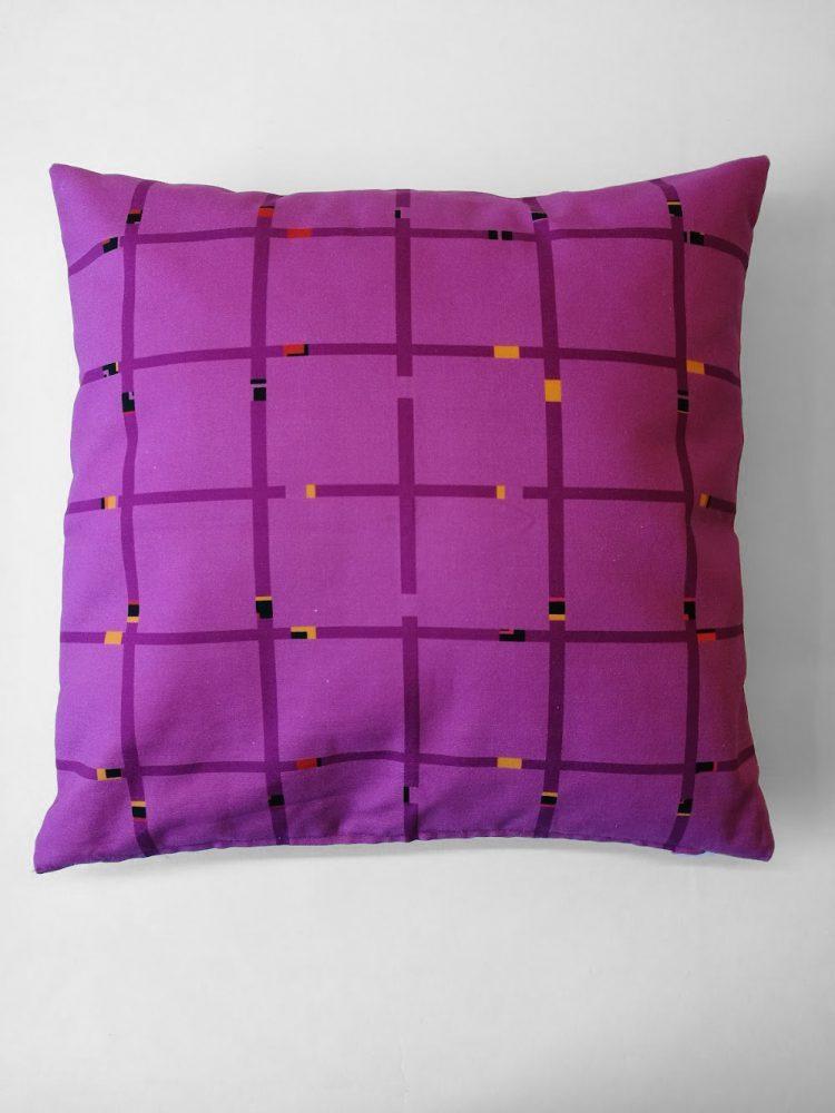 Pillow 'An-Jet Purple 0563'