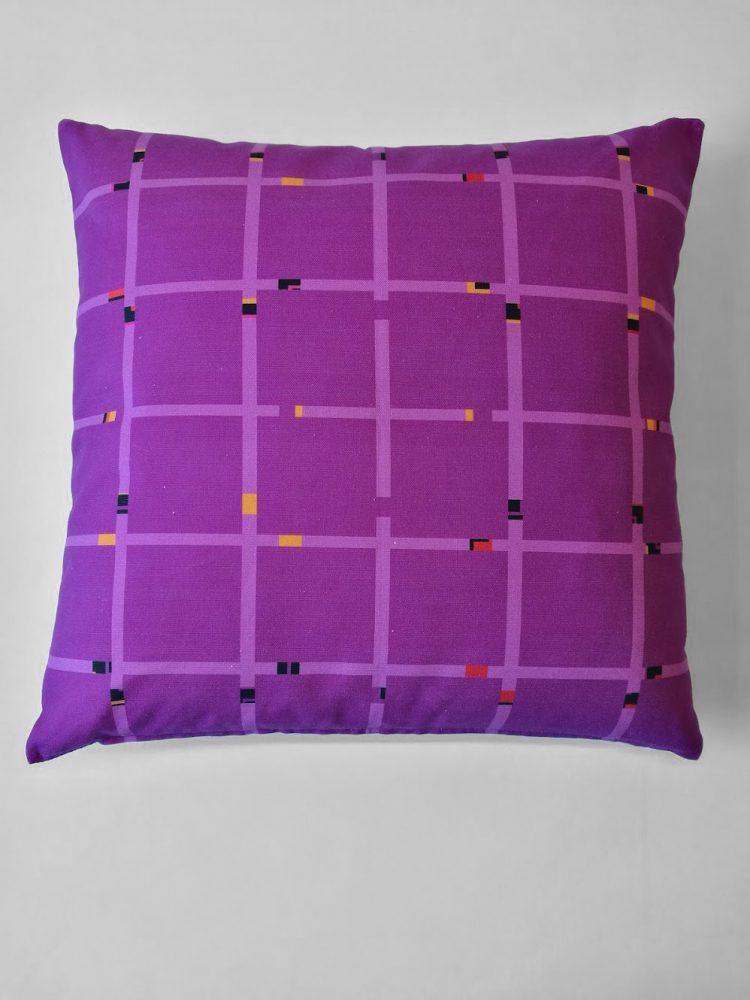 Pillow 'An-Jet Purple 0567'